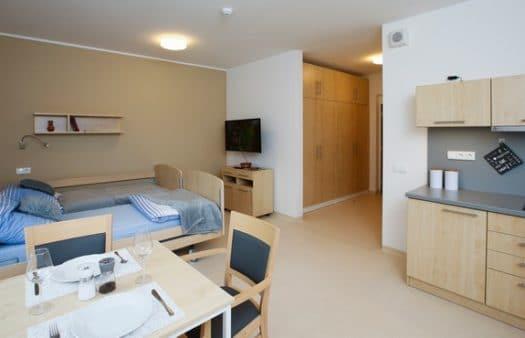 Seniorská centra v pražském Slivenci a Štěrboholech nabízejí k dlouhodobému pronájmu vlastní apartmány