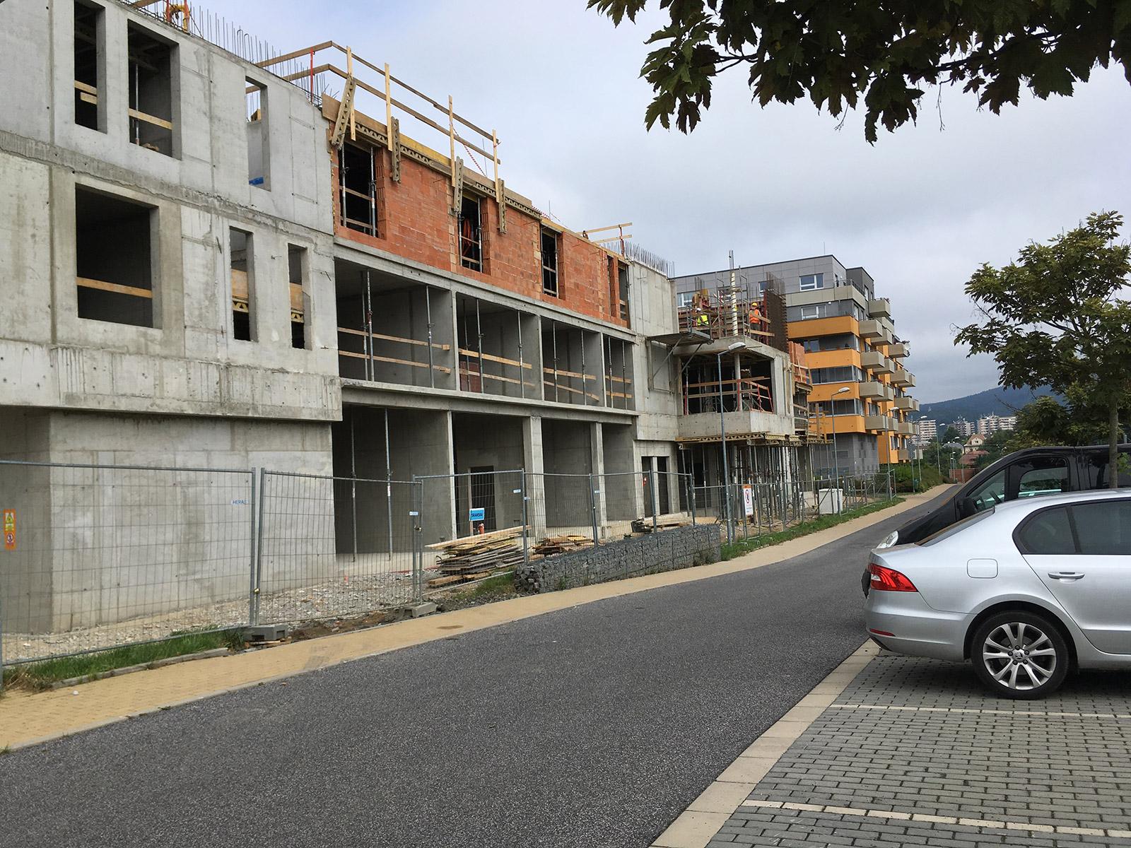 V říjnu bude dokončena hrubá stavba